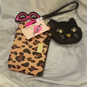 Betsey Johnson 2pc wristlet kitty and leapord spot